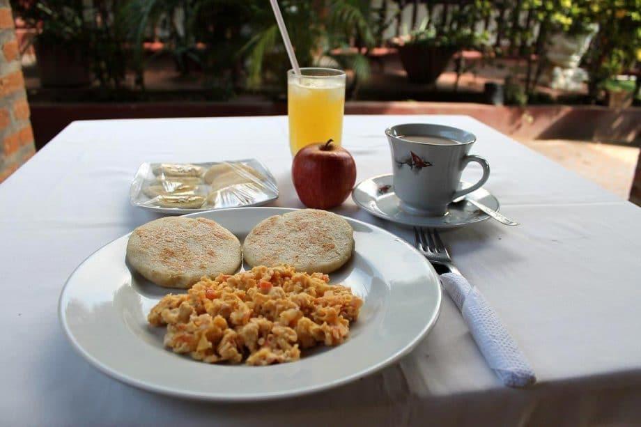 Enjoy a typical Colombian or American breakfast