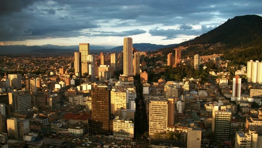How to get to Mompos from Bogotá