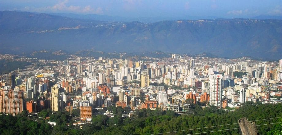 How to get to Mompos from Bucaramanga